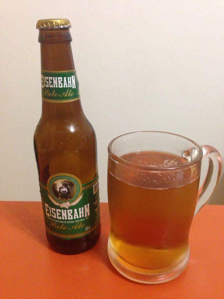 Eisenbahn - Brasil: Pale Ale brasileira produzida em Blumenau com a mistura de 3 maltes e sem adição de conservantes. Essa cerveja de descendentes alães capta a essência de Pale Ales belgas. Deliciosa! #eisenbahn #beer #beersoftheworld #cerveja #cervejasdomundo #âmbar #paleale