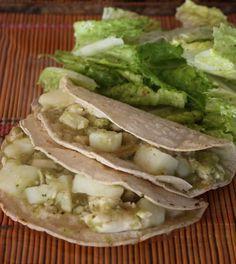 Tacos de pescado en salsa verde