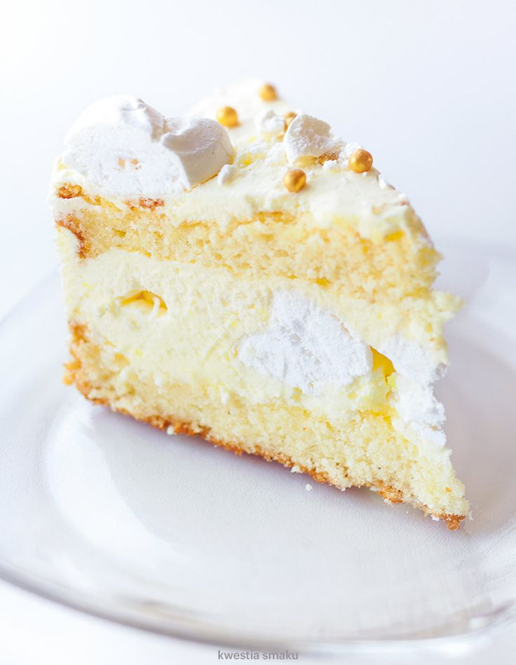 Traditional cake with lemon meringue