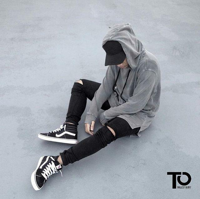 @streetfashionchannel Cap: Nerdunit Hoodie: H&M Pants: Cheapmonday Sneakers : vans ________________________________________________ Trillest outfit by @elzrieelias