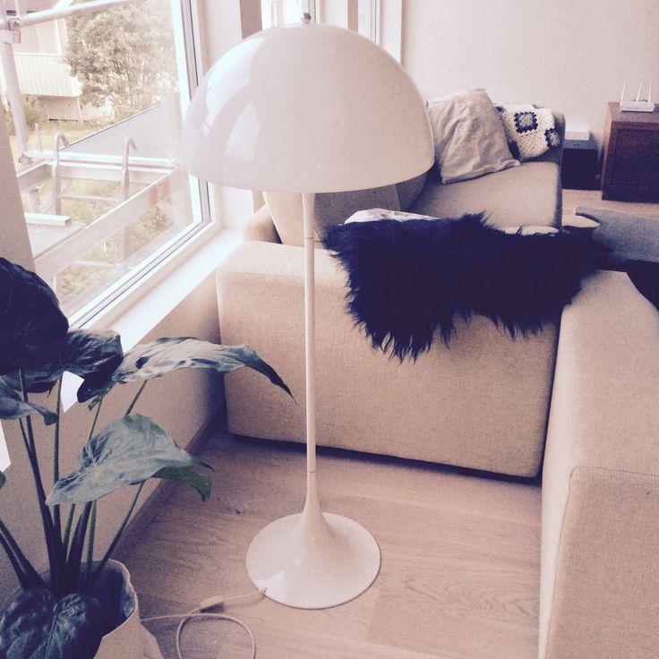 Panthella Floor Lamp by Louis Poulsen Designer: Verner Panton.  Manufactured under license in Denmark by Louis Poulsen.