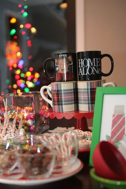 Best 25 alone movies ideas on pinterest home alone 1 for Home alone theme decorations
