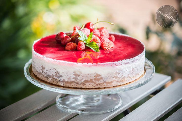 Gyümölcsös különlegesség akár születésnapra is. www.asztalka.com
