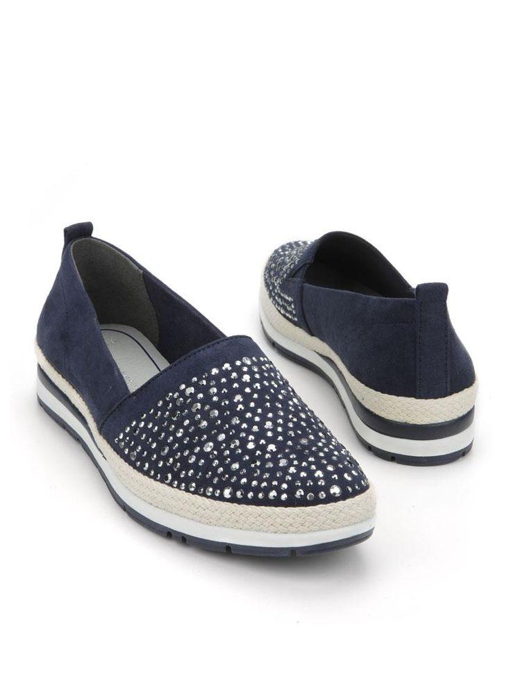 Marco Tozzi instapper  Description: Blauwe instappers van Marco Tozzi. Deze damesschoenen zijn grotendeels gemaakt van textiel en hebben een kunststof zool. De neus van de schoenen is ingelegd met studs.  Price: 34.99  Meer informatie