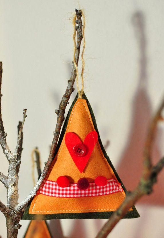 Bradut decorativ (lucrare inscrisa in Concursul Decoreaza-ti Iarna, cu Breslo!)