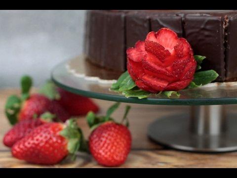 Orchideli - dekoracja tortu red velvet, polewa z  czekolady, róże ze świeżych truskawek. Fresh strawberries roses tutorial.