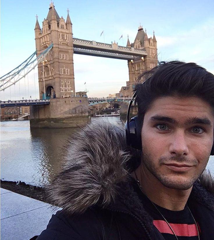 "12.7 tis. To se mi líbí, 78 komentářů – Charlie Matthews (Official) (@charliem015) na Instagramu: ""Checking out the Tower Bridge before I leave London tomorrow. #towerbridge"""