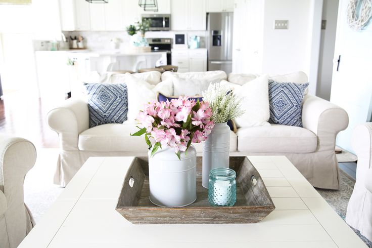 Home- Simply Summer living room home tour, coastal living room, family room, summer decor, shelf styling, navy blue and aqua living room decor, nautical decor ideas