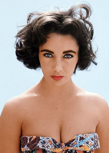 Lovely photo of Elizabeth Taylor by Richard Avedon, Beverly Hills, April 21, 1956