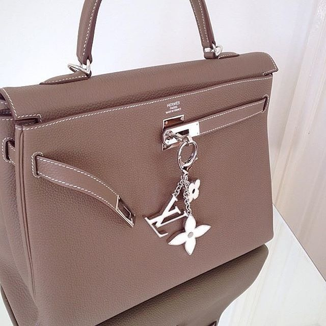Beautiful Hermès Kelly  repost @classichermes @hermes