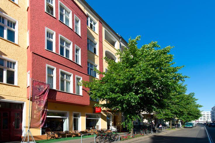 In der Nähe des Hotels liegt die berühmte East Side Gallery und die Event Location Nr. 1 in Berlin - die O2-World Arena.