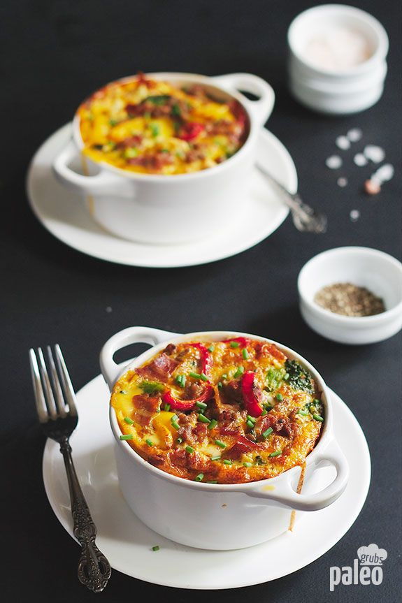 20. Paleo Breakfast Casserole in a Mug #paleo #breakfast #recipes http://greatist.com/eat/paleo-breakfast-recipes