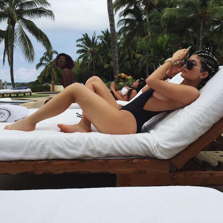 girl fashion outfit bikini ocean hair lips eyes kylizzle king kylie jenner