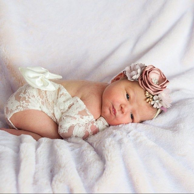 Christmas headband New mom gift Baby girl first birthday outfit Pregnancy gift Photography bows Red baby girl headband Photo props