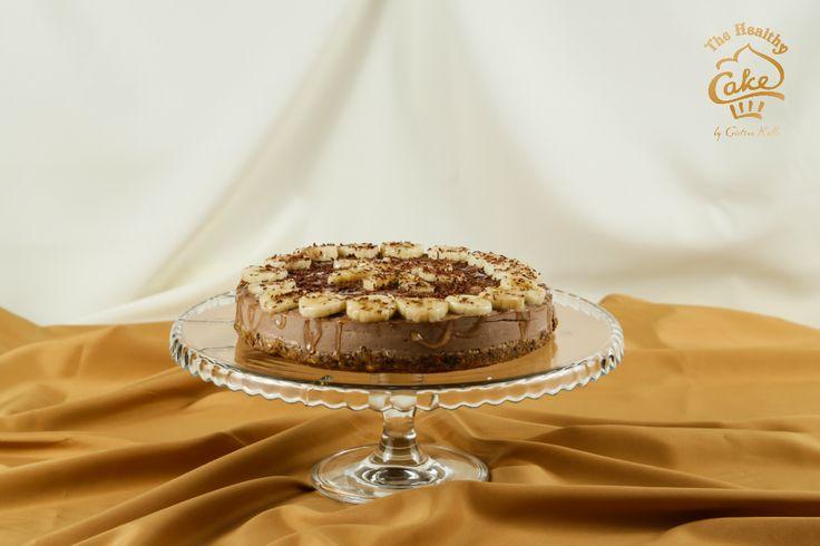 Tort de ciocolata si banane #TheHealthyCake #rawvegan   Blat: nuci,curmale Crema: caju, unt de cacao, pudra cacao, pudra lucuma, sirop de agave, banane Ornat: banane, miere, cacao