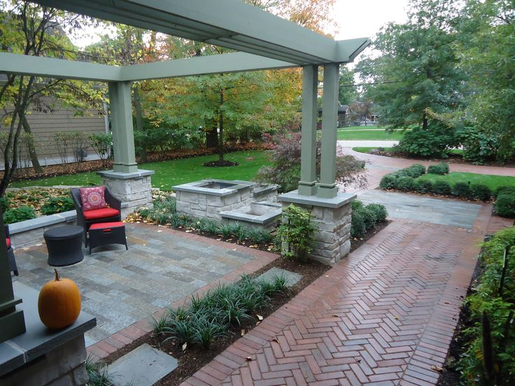Front Yard Retreat: Downers Grove Residence Village Of Downers Grove,  Illinois