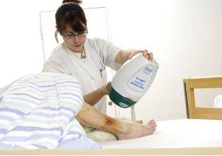 Η καλύτερη αντιμετώπιση των πληγών από τις κατακλίσεις είναι η πρόληψη και η νέα μέθοδος της φωτοδυναμικής θεραπείας. ~ MEDLABNEWS.GR / IATRIKA NEA