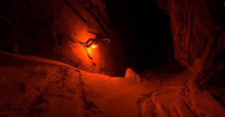 Torched – Night skiing with flares>>Produced by Nicolas Vuignier and Jules Guarneri, Torched is a short and conceptual Freeskiing and Snowboarding film exposing the wonders of the winter nights in Wallis, Switzerland.  #Flares #NicolasVuignier #Nightskiing #Skiing