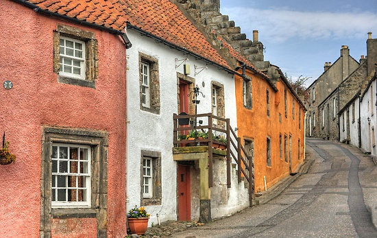 THE CITY OF CULROSS  Fife, Scotland. I could almost swear this is her house! So similar.