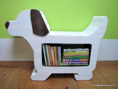 meuble en carton en forme de chien - bibliothèque pour enfants
