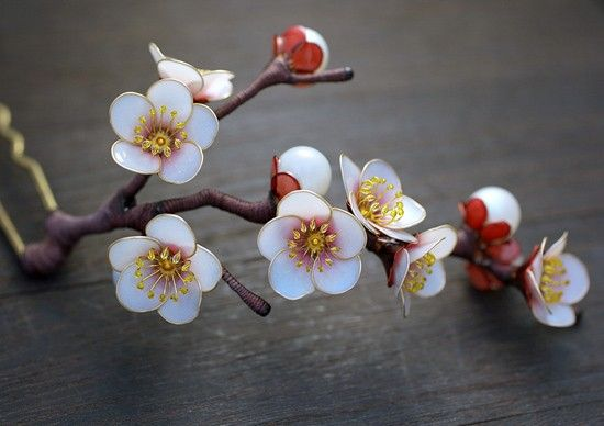Floral Hairpin Ornaments by Sakae | Inspiration Grid | Design Inspiration