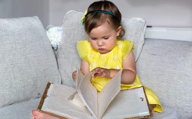 Fotografia di Giulia, la piccola bambina dagli occhi blu by www.dianasava.com