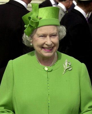 Queen Elizabeth, July 11, 2001 in Philip Somerville | The Royal Hats Blog-wow, what a great colour! Love the hat