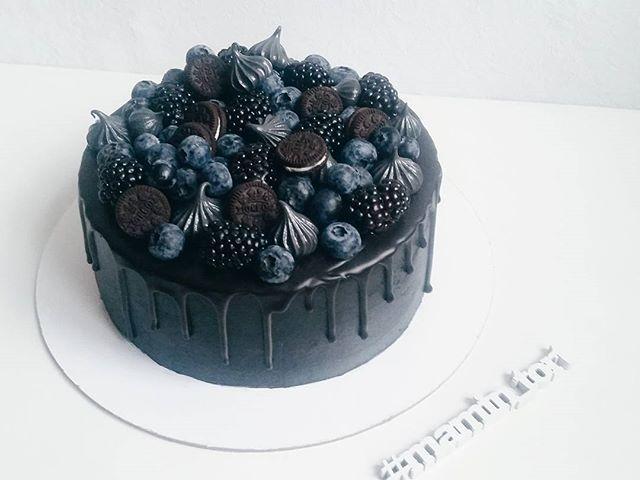 Черный торт или black cake.
