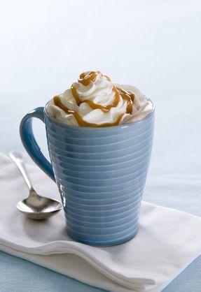 Liégeois à la vanille au caramel beurre salé et chantilly.