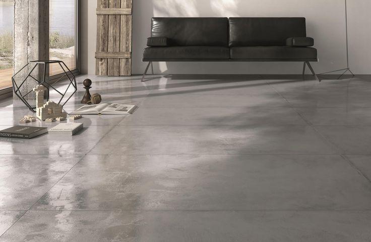 Donkergrijze beton ciré vloertegels in 60x120 met glans, die ook goed als wandtegel gebruikt kunnen worden. Verkrijgbaar in 30x60, 60x60, 80x80, 60x120, (56-RV) Tegelhuys
