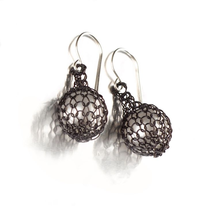 BLACK Wire crochet earrings - Pearl jewelry - Faux perl earrings in black