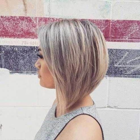 Graduated Bob Hairstyles Are The Latest Trend #bobhaircutwithlayers #bobhairstylesforfinehair