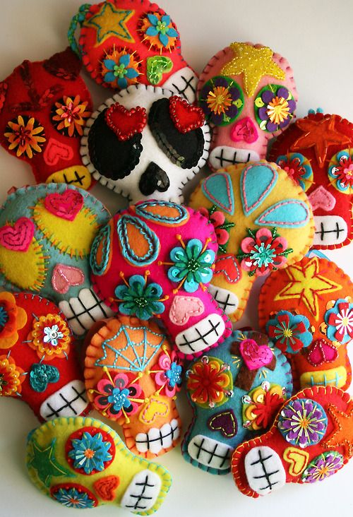 Felt Sugar Skulls.... The original link is for the completed product at an Etsy site.  Love this!   Felt, thread, beads, etc..... Awesome way to get creative!!
