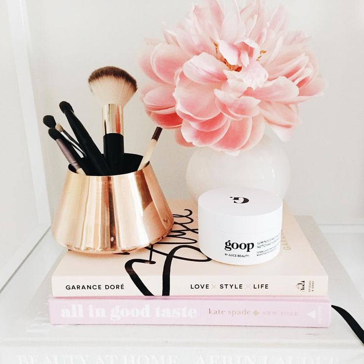 """theglitterguide: """" Our editorial director, @caitlinkruse, shares her May Edit on glitterguide.com. One thing she's loving is the @goop x @juicebeauty beauty line. Check out the rest in the link in our bio. ✨ @liketoknow.it www.liketk.it/2nYa0..."""