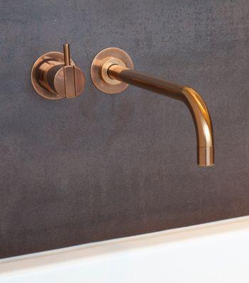 Wohnhaus in Heppenheim - Vola (brass? copper?) faucet
