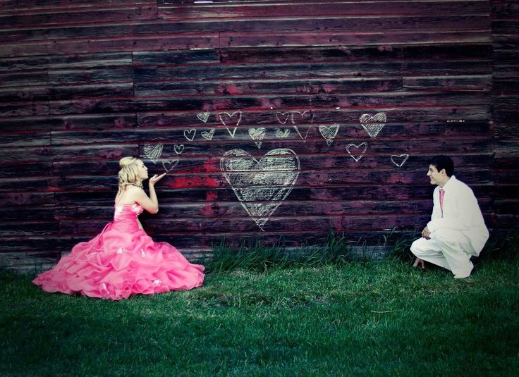 cutest prom picture pose ever!