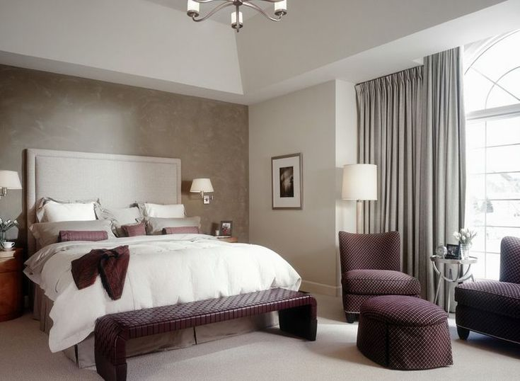 How Sponging The Walls Can Give Your Home Character  http://www.homedit.com/sponging-the-bedroom-walls/
