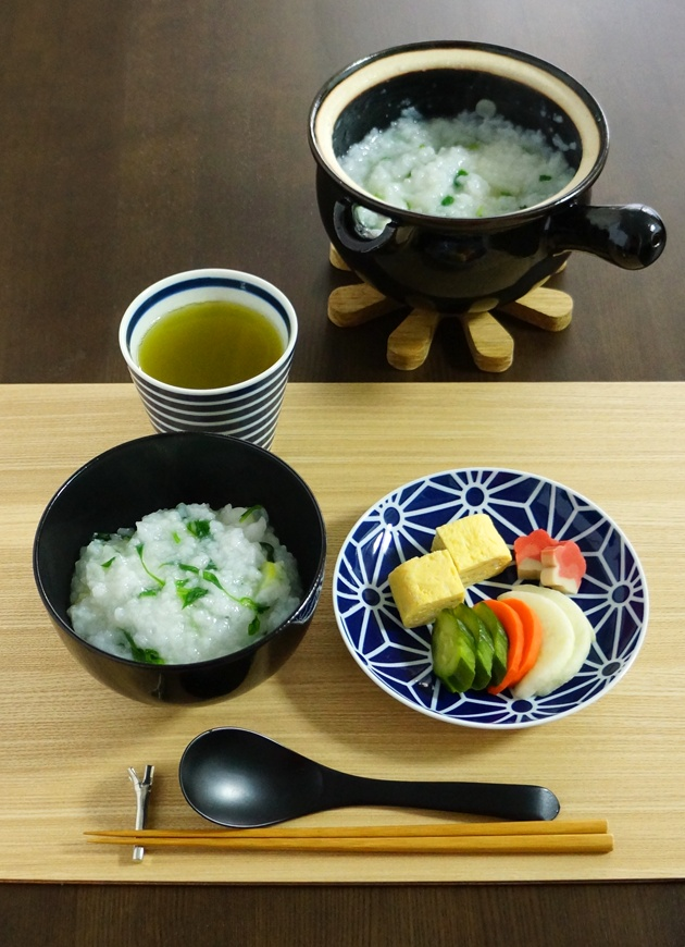 Nanakusagayu (Japanese Seven Spring Herbs Rice Porridge), eaten on January 7th to bring longevity and health throughout year|七草粥