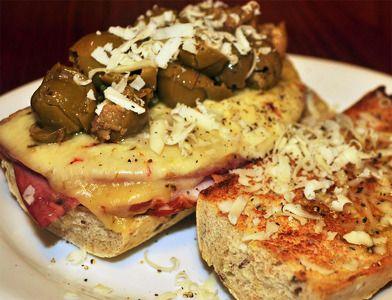Receta Sandwich de salami y aceitunas