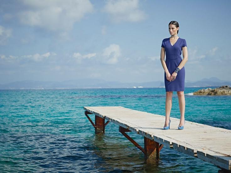 Pasión por la Moda - Vestido azul intenso de Marquis