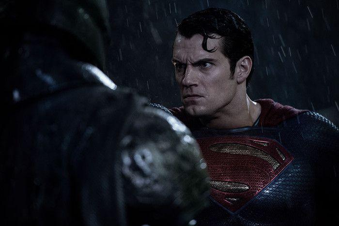 Batman V Superman News: New Batmobile Shows Dark Knight Getting Ready For Major Villain, Aquaman & Flash To Appear? - http://www.thebitbag.com/batman-v-superman-news-new-batmobile-shows-dark-knight-getting-ready-for-major-villain-aquaman-flash-to-appear/121017