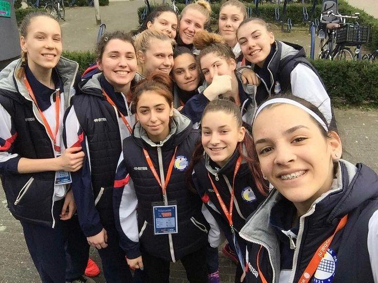 #readytowin against @ossrb #HaiRomania #bestteam #romaniangirls #volei #frvolei #volleyball #EuroVolleyU18W