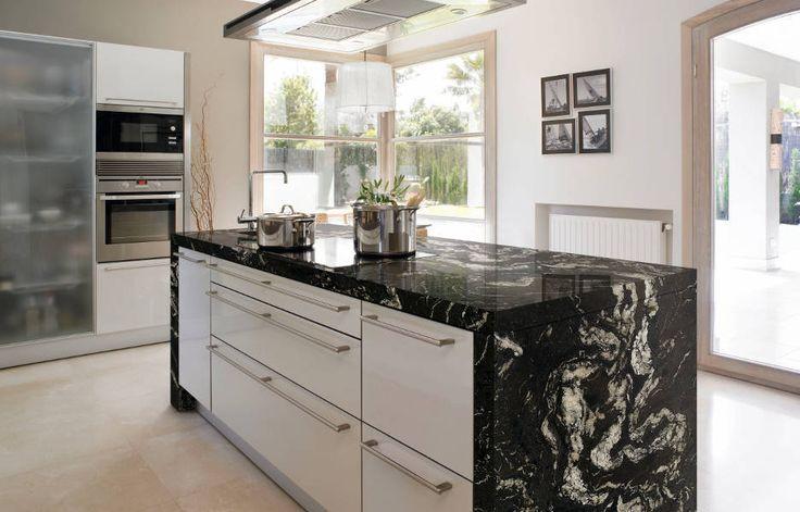 Cocina con encimera granito naturamia titanium kitchen for Encimera cocina granito