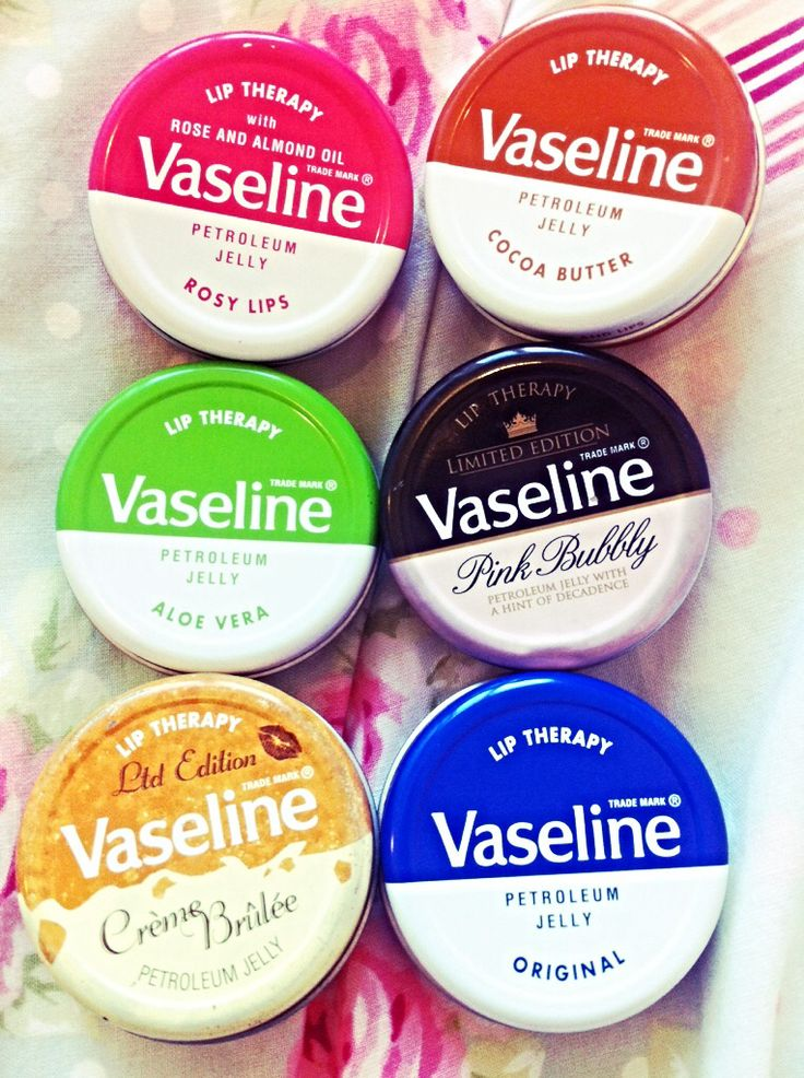 Vaseline tins, in LOOOVE with rosy lips! Best smelling and looking lip balm I own!