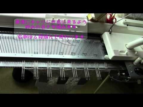 針抜きレース模様Vol 2 ストールを編む - YouTube; beautiful fringed, open-lace scarf, using holding position