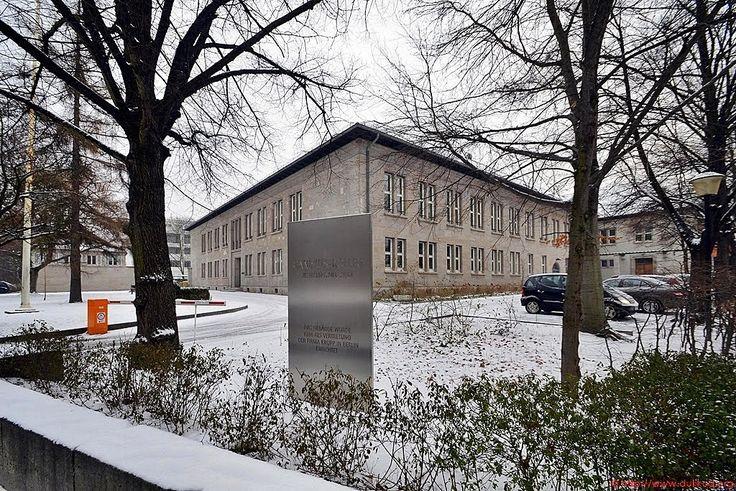 Berlin - ehem. Berliner Vertretung und Gästehaus der Fa. Krupp aus dem Jahre 1938 von Paul Mebes & Paul Emmerich - Canisius Kolleg