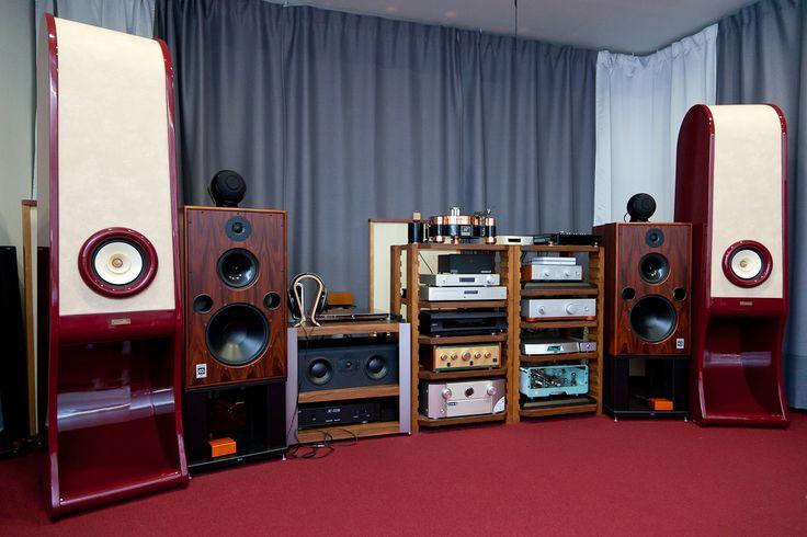 Egg-Shell vacuum tube amplifier with RDacoustic full range speakers