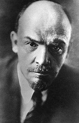 Vladimir Lenin in 1920. Hij was de eerste leider   van de Russische Revolutie. Hij is geboren op  22 april 1870 in Simbirsk en is overleden op 21 januari 1924.