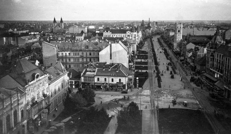 Piac utca a Református Nagytemplomból fotózva (1935)