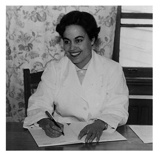 Rina Winifred Moore née Ropiha, graduated MB, ChB in 1949 (reputedly the first Maori woman to do so) #plocomiWahine